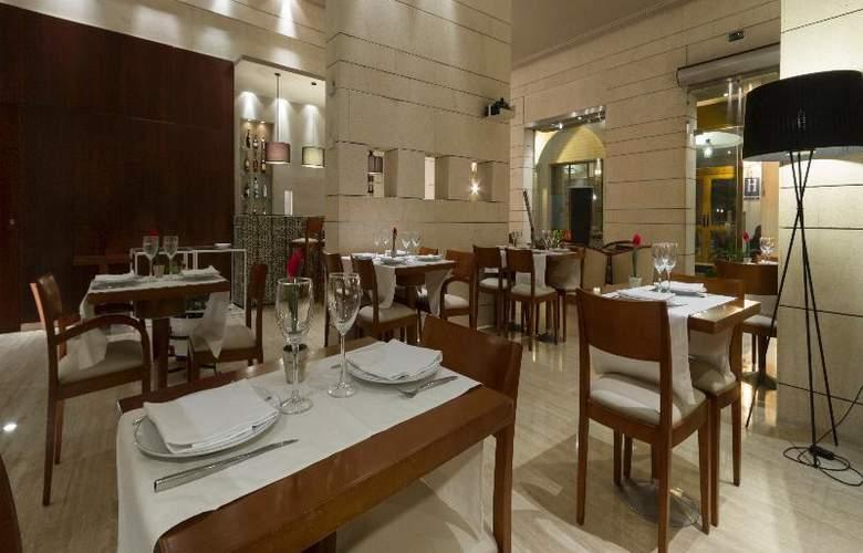 Rey Alfonso X - Restaurant - 54