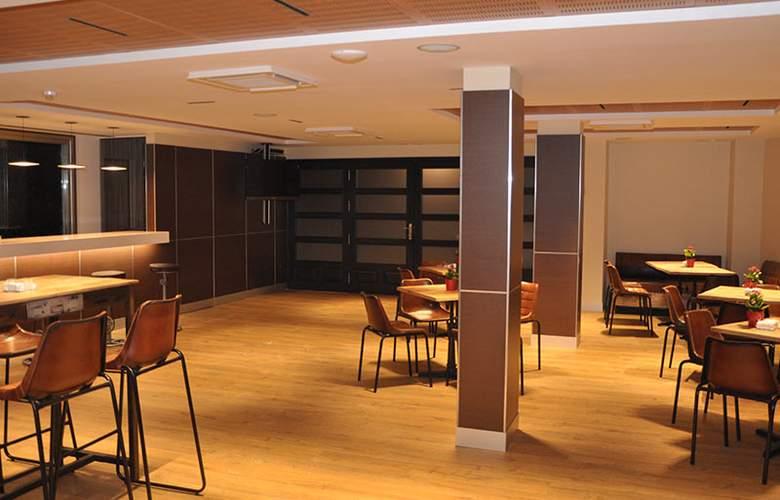 Sercotel Selu First Class Collection Hotel - Bar - 3