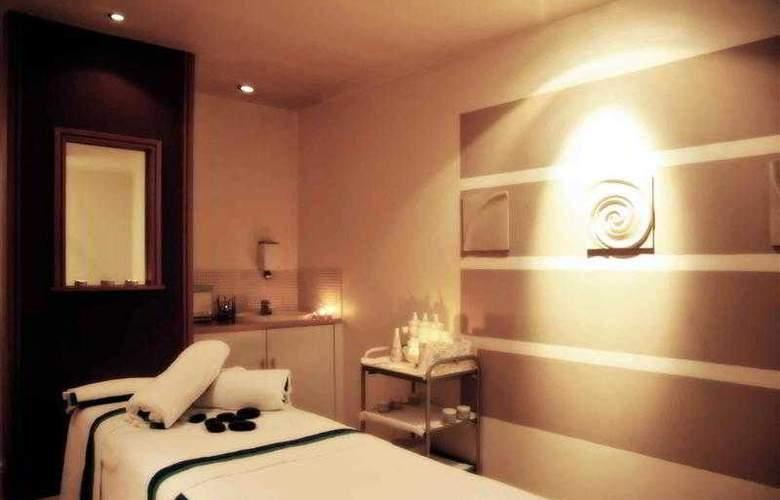 Mercure Norton Grange Hotel & Spa - Hotel - 11