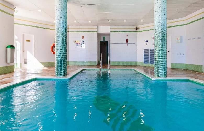 Apartamentos Globales Nova - Pool - 22