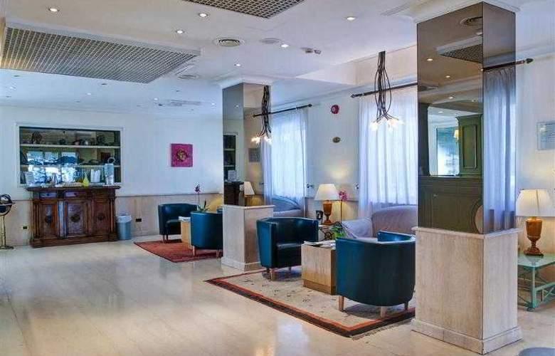Best Western Globus - Hotel - 33