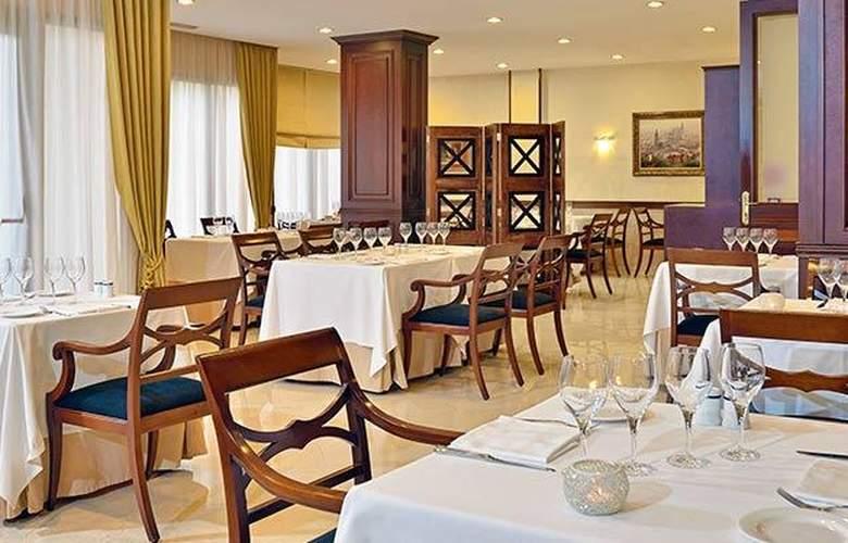 Meliá Girona - Restaurant - 17