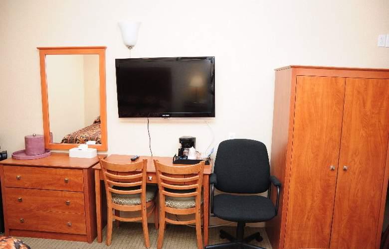 The JFK Inn - Room - 2