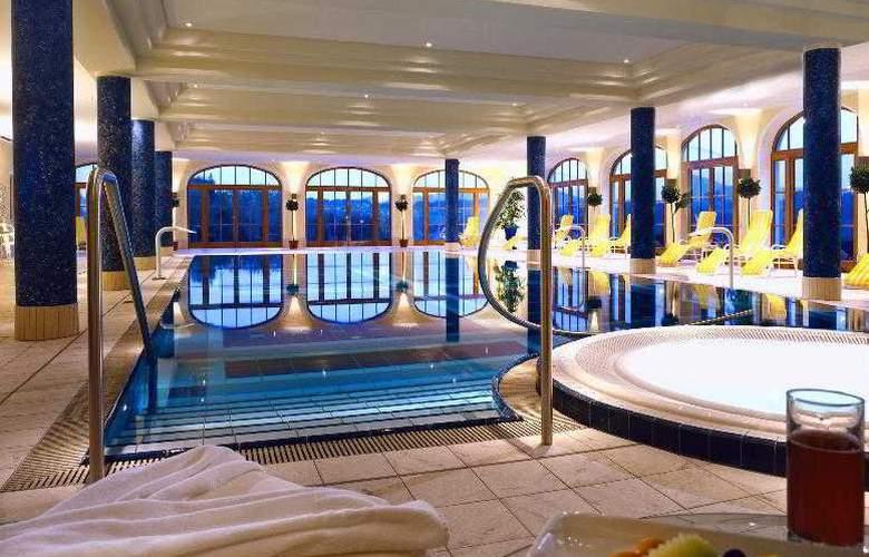 Sheraton Fuschlsee - Salzburg Hotel Jagdhof - Pool - 18