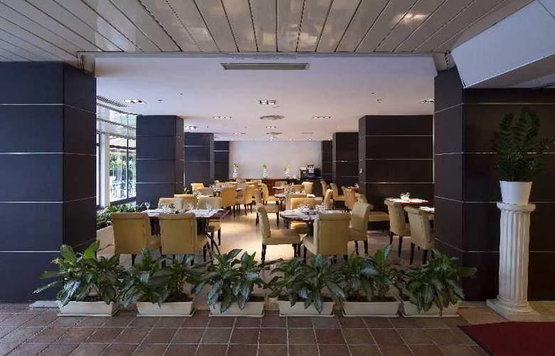 Midas - Restaurant - 22
