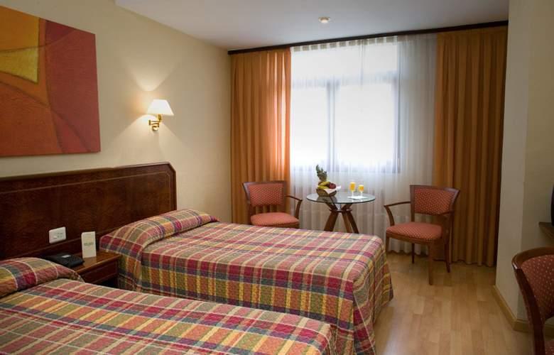 Unzaga Plaza - Room - 8