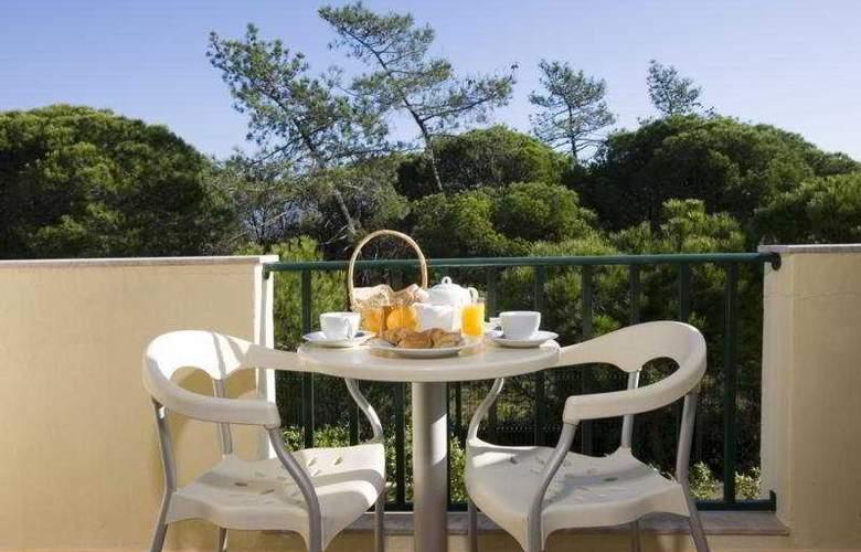 Ria Plaza Resort - Terrace - 10