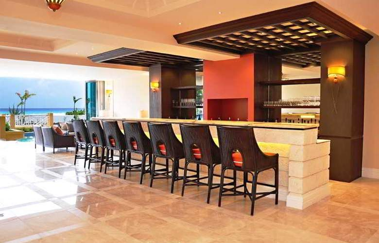 Ocean Two Resort and Residences - Bar - 15