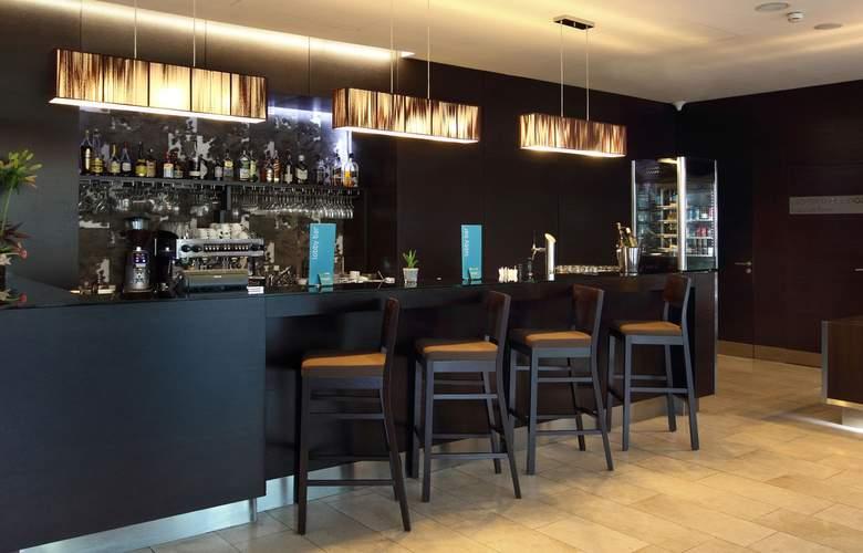 Occidental Praha Five - Bar - 3