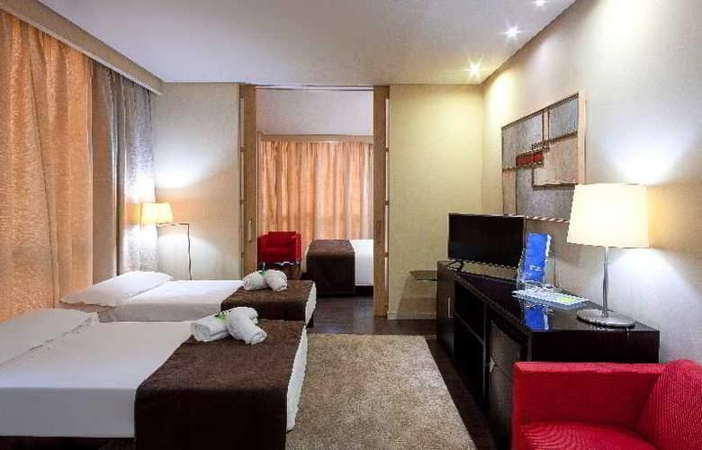 Silken Puerta Valencia - Room - 11