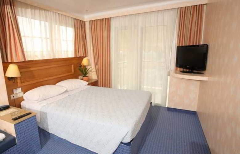 Noufara - Room - 9