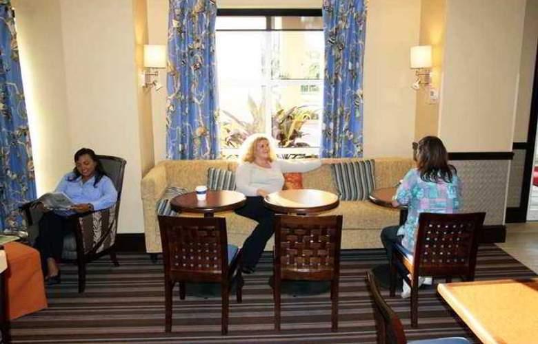 Hampton Inn & Suites Stuart-North - Hotel - 0