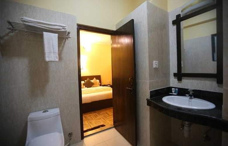 Peninsula - Room - 1