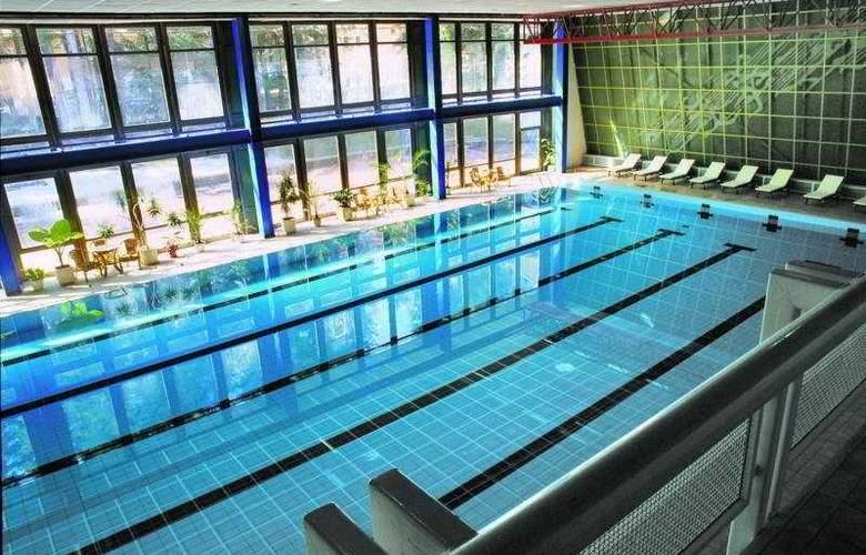 Samokov - Pool - 4