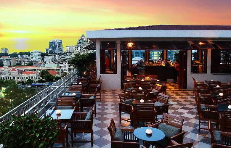 Caravelle Saigon - Terrace - 9