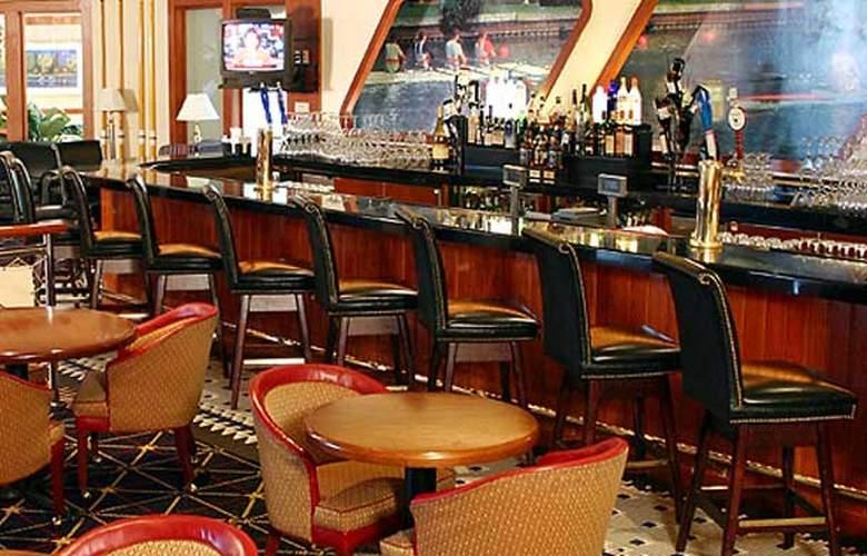 Philadelphia Airport Marriott - Bar - 6