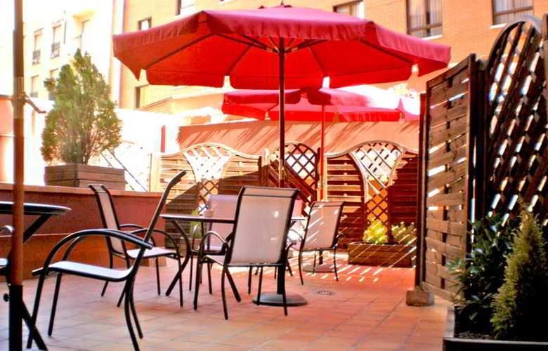 Murrieta - Terrace - 8