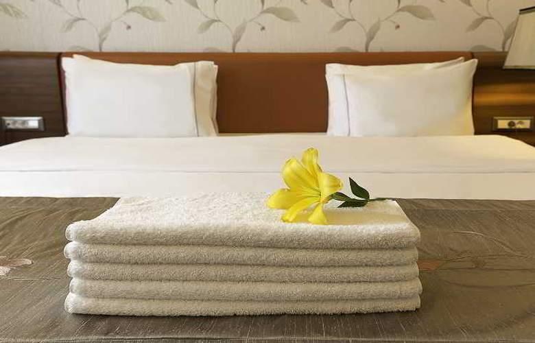 Ramada Hotel & Suites Atakoy - Room - 14