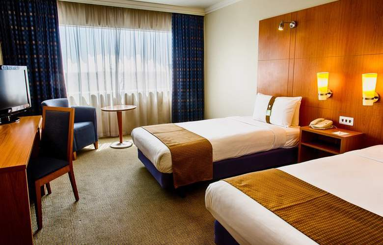 Holiday Inn Heathrow M4/J4 - Room - 5