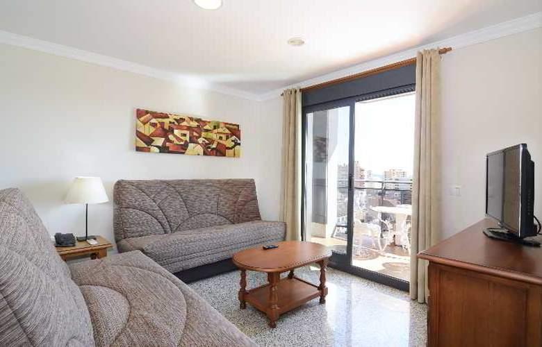 Apartamentos Nuria Sol - Room - 8