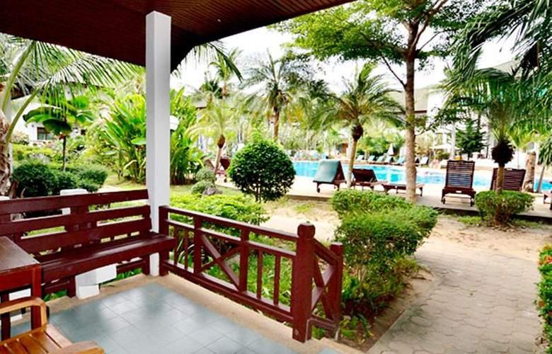 First Bungalow Beach Resort - Hotel - 14