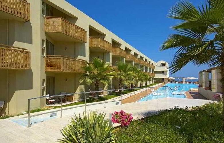 Santa Marina Plaza - Pool - 4