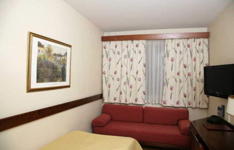 CF Hotel - Room - 5