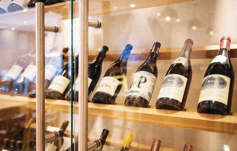 Cape Town Hollow Boutique - Bar - 12