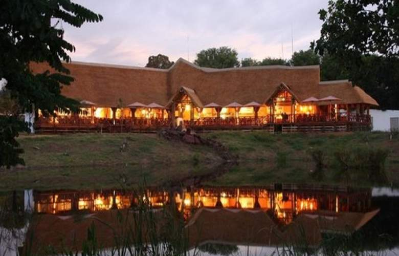 Indaba Hotel and Conference Centre - Hotel - 0