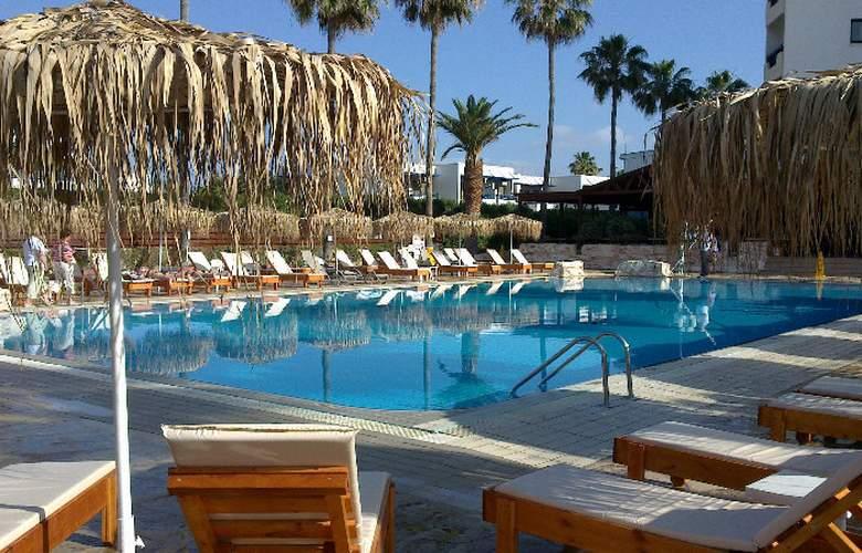 Pavlo Napa Beach - Pool - 3