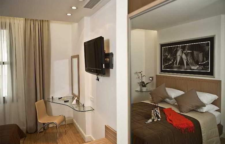 Chic Hotel - Room - 2
