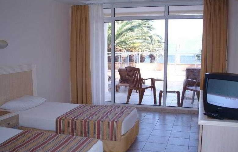 Miramer Beach - Room - 5
