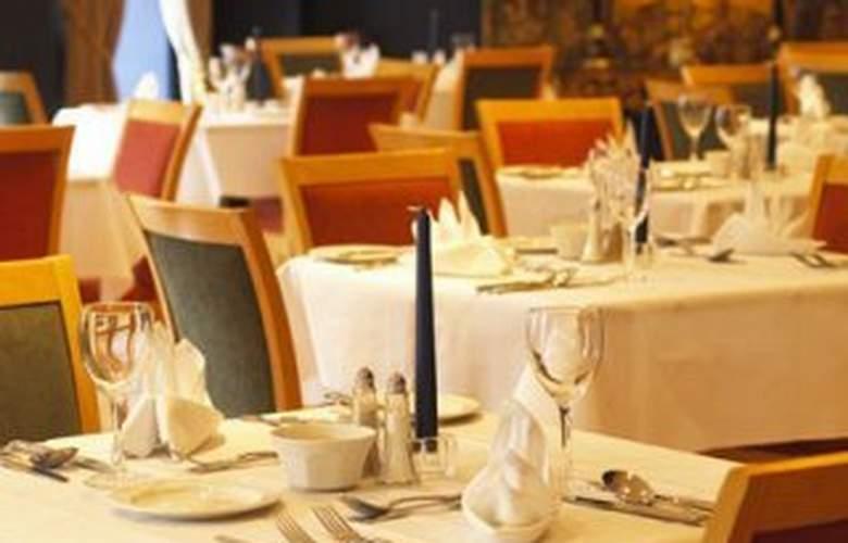 Pery's - Restaurant - 1