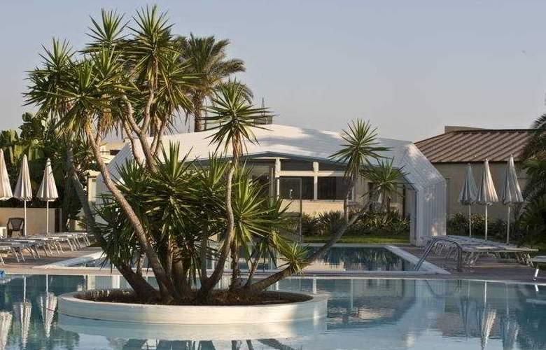Arenella Resort - Pool - 5