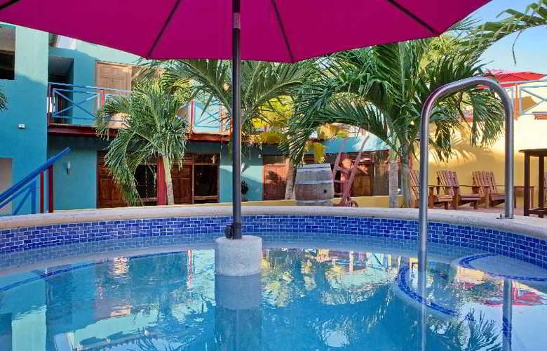 The Ritz Studios - Pool - 31