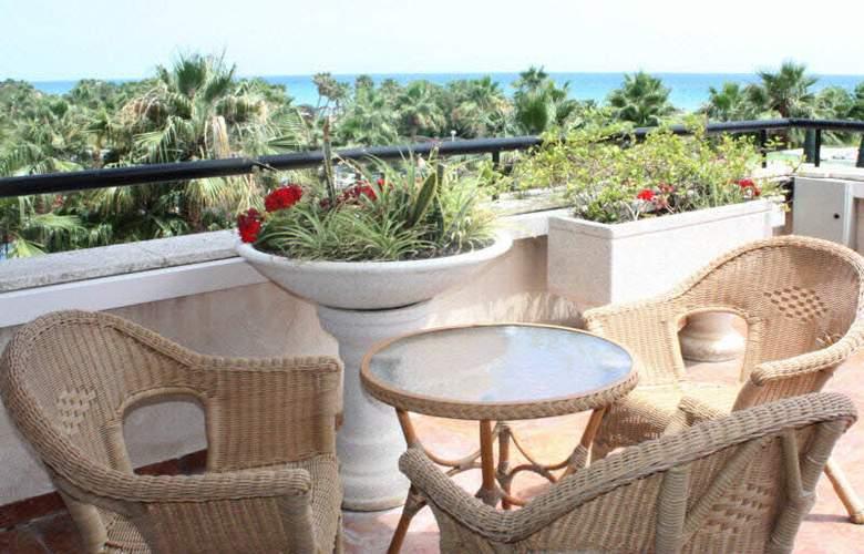 Marina dOr Playa Hotel 4 Estrellas - Terrace - 42