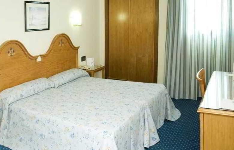 Ebora - Room - 3