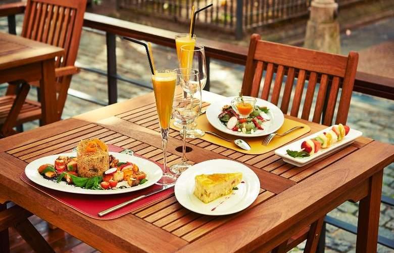 Balmoral Plaza - Restaurant - 5