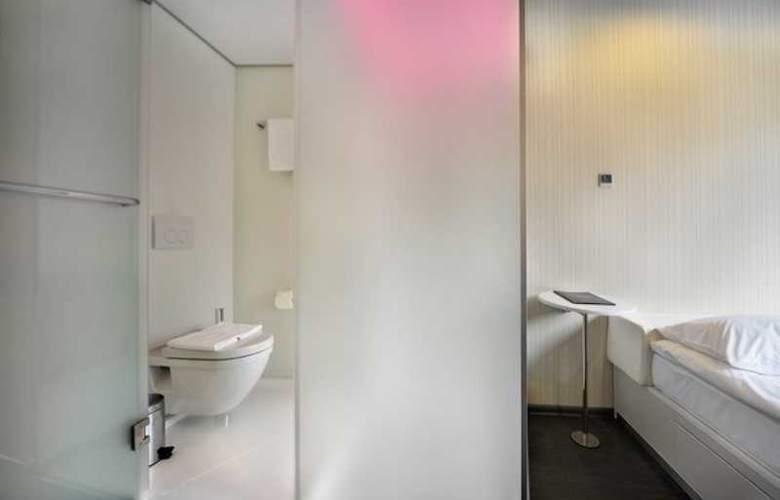 Iq Hotel - Room - 4