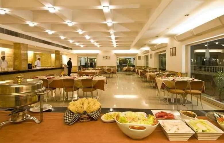 Grand Hotel - Restaurant - 3