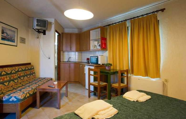 Rainbow Apartments - Room - 6