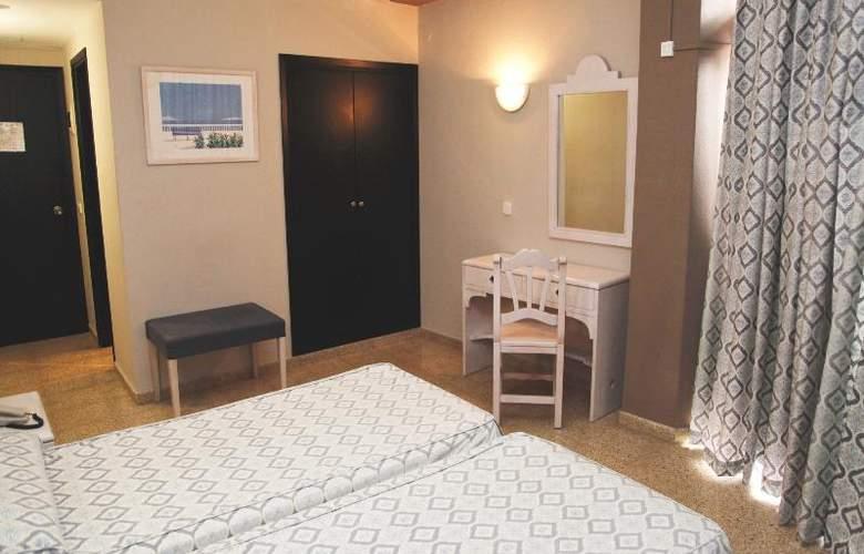 Azuline Hotel Llevant - Room - 10
