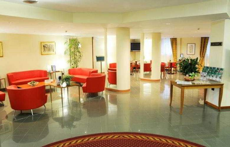 Holiday Inn Milan - Linate Airport - General - 1