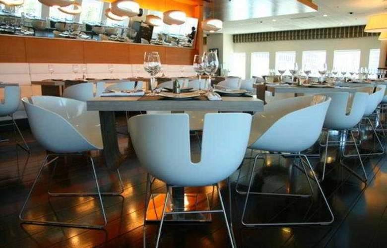 Crowne Plaza City Center - Restaurant - 10