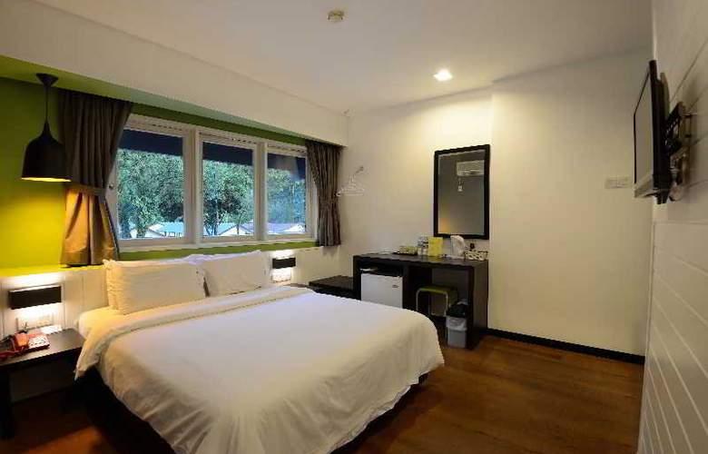Hotel Waterfall Penang - Room - 11