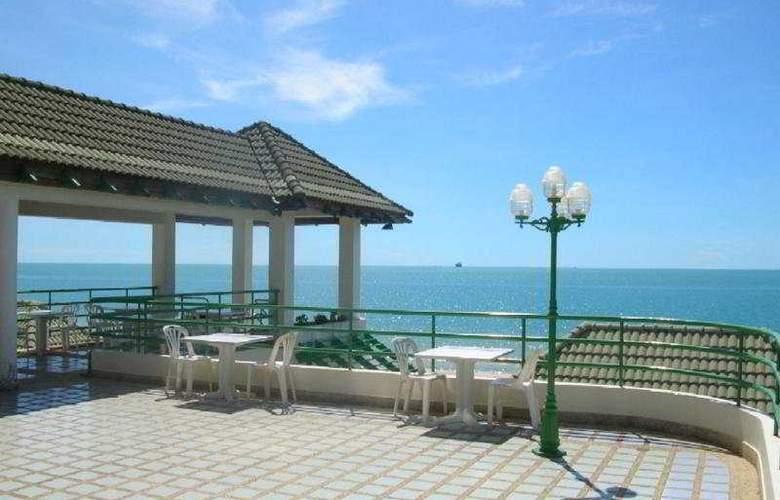 Khanom Golden Beach Hotel - Restaurant - 3