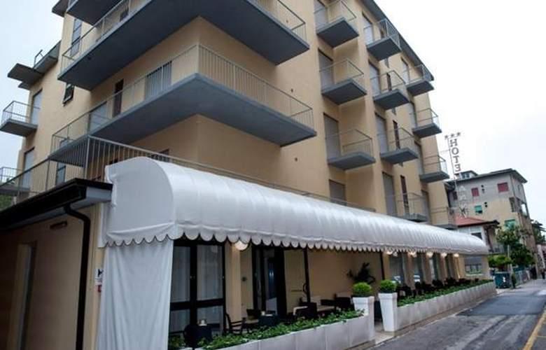Anny - Hotel - 0