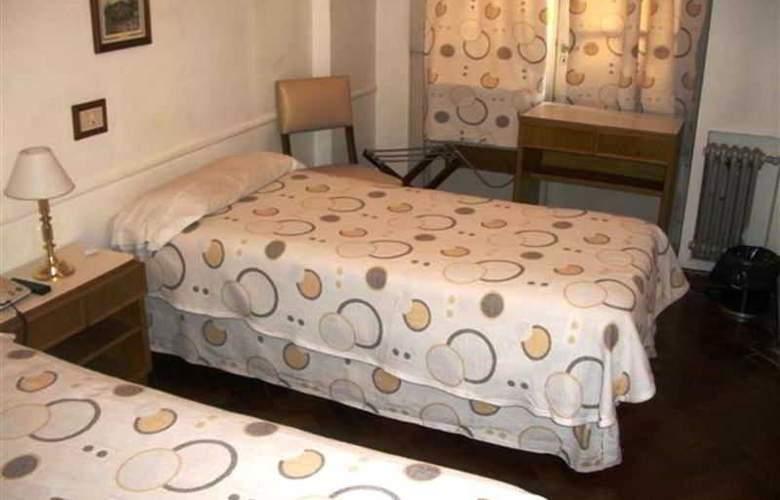 Kings Hotel - Room - 4
