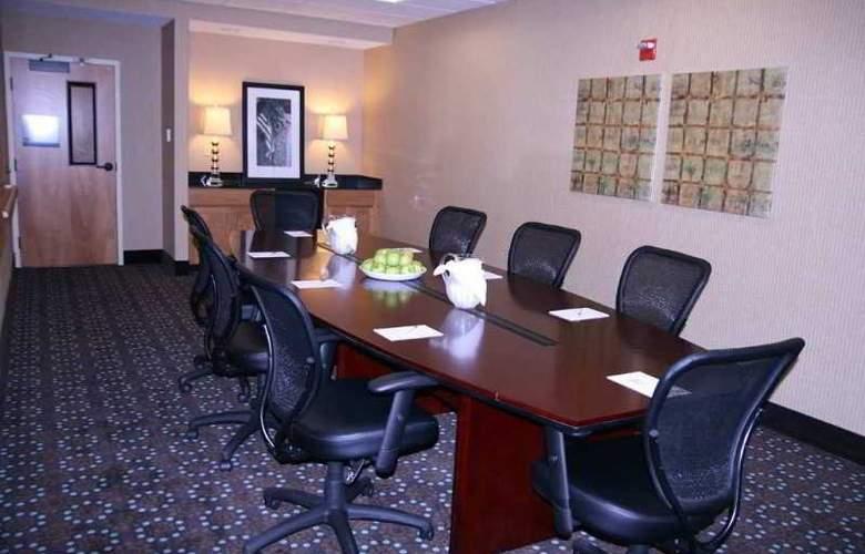 Hampton Inn & Suites Canton - Conference - 2