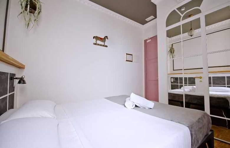 Casa Gracia Barcelona Hostel - Room - 25